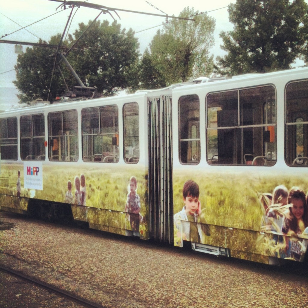hipp_tramvaj_dizajn_vizuala_na_vozilu_3